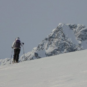 Visit Lyngen Alps with snowshoes