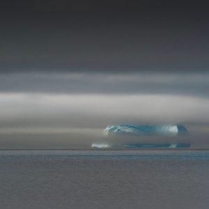 Voir un iceberg en vrai à Scoresby Sund avec entreprise d'expédition polaire 69 NORD